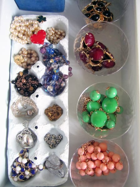 Use Egg Cartons to Organize Jewelry